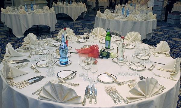A table avec les etoiles avec odile matt i dans go tez - Chambre de commerce italienne de lyon ...