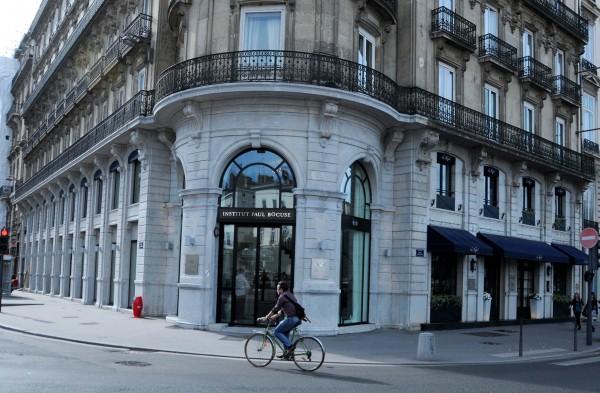 Le nouveau restaurant la marque bocuse l institut ouverture j 6 lyo - Monoprix lyon bellecour ...